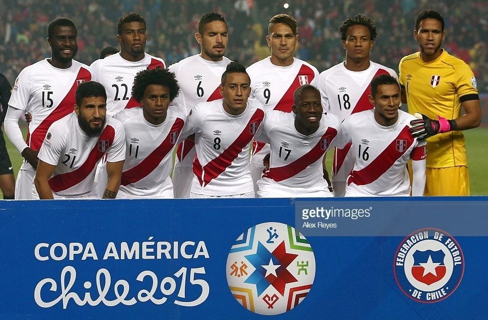 Peru-2015-umbro-copa-america-home-kit-white-white-white-line-up.jpg