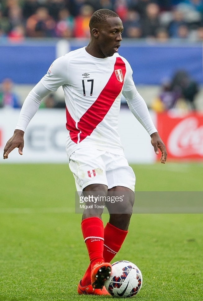 Peru-2015-umbro-home-kit-white-white-red.jpg