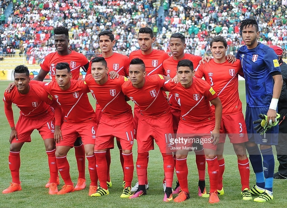 Peru-2016-umbro-world-cup-qualifier-away-kit-red-red-red-line-up.jpg