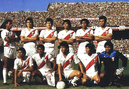 Peru-89-90-POWER-uniform-white-white-white-group.JPG