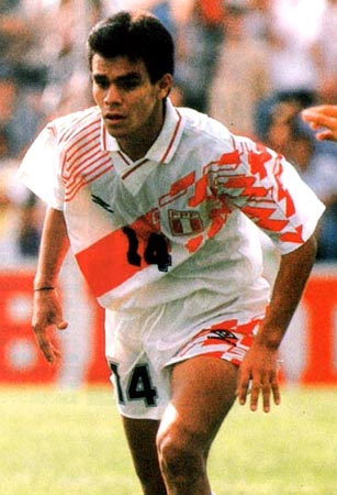 Peru-93-95-UMBRO-uniform-white-white-white.JPG