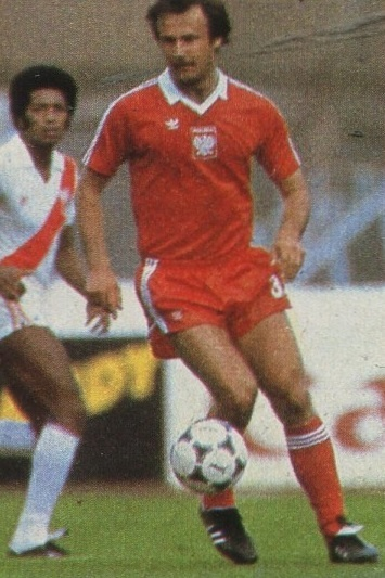 Poland-1982-adidas-world-cup-away-kit-red-red-red.jpg