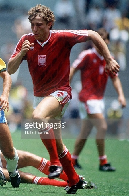 Poland-1986-adidas-world-cup-away-kit-red-white-red.jpg