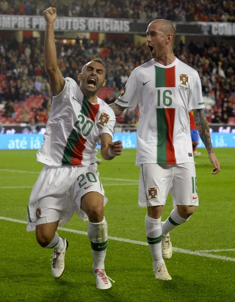 Portugal-10-11-NIKE-away-kit-white-white-white.jpg