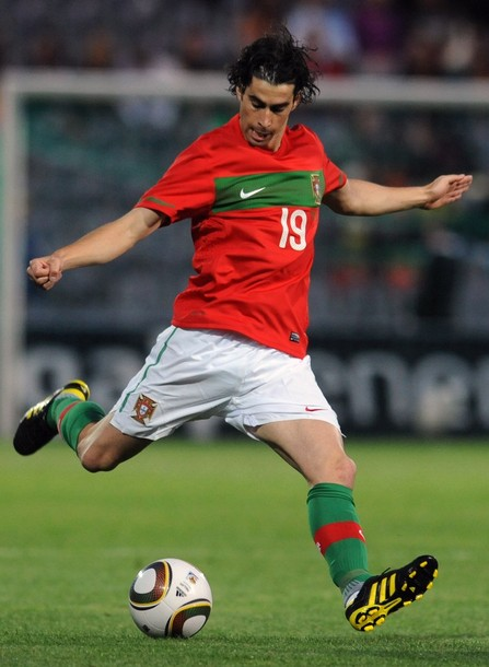 Portugal-10-11-NIKE-home-kit-red-white-green.jpg