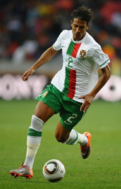 Portugal-10-11-NIKE-world-cup-away-kit-white-green-white.JPG
