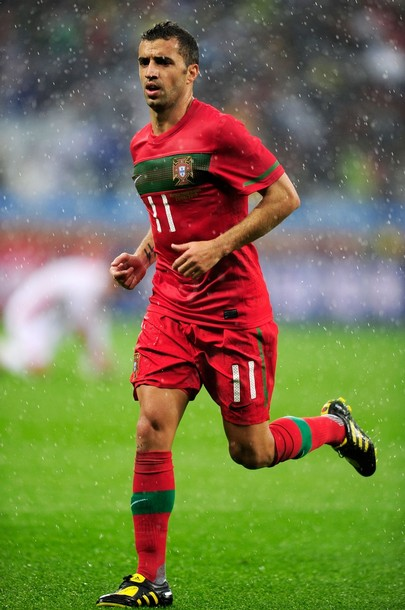 Portugal-10-11-NIKE-world-cup-home-kit-red-red-red.JPG