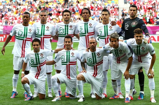 Portugal-12-13-NIKE-away-kit-white-white-white-line-up.jpg
