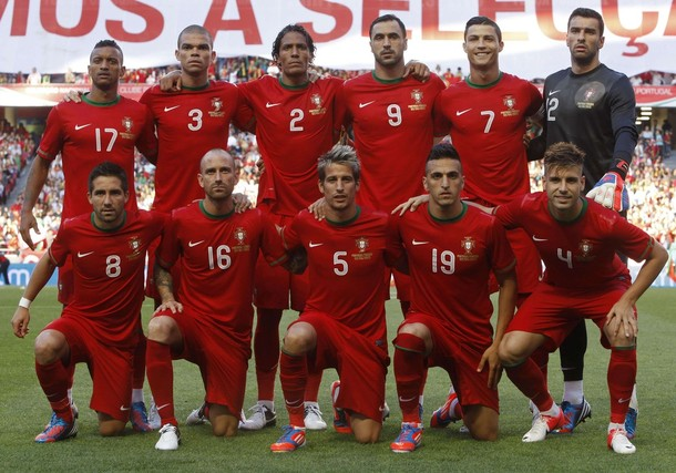 Portugal-12-13-NIKE-home-kit-red-red-red-line-up.jpg