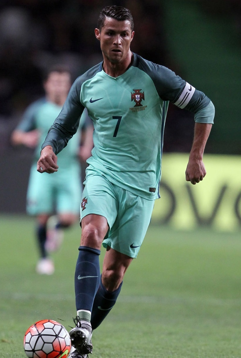 Portugal-2016-NIKE-away-kit-green-green-green.jpg