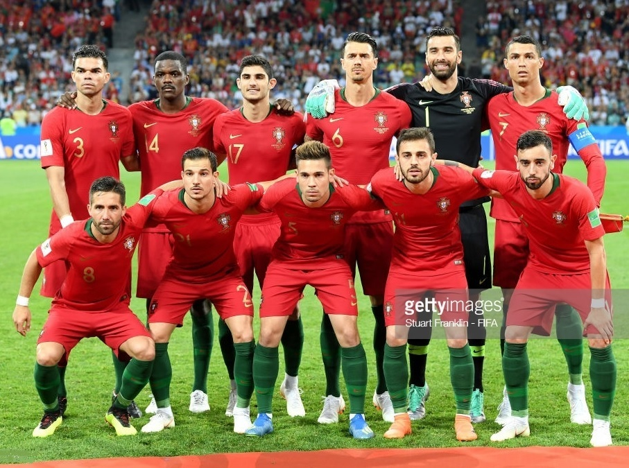 Portugal-2018-NIKE-world-cup-home-kit-red-red-green-line-up.jpg