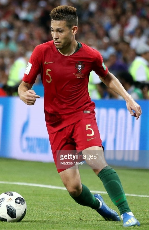Portugal-2018-NIKE-world-cup-home-kit-red-red-green.jpg
