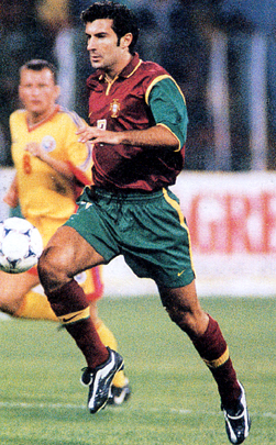 Portugal-98-99-NIKE-unform-dark red-green-dark red2.JPG