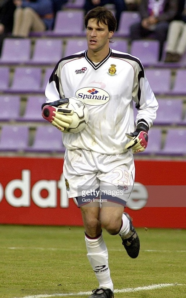 RCD-Mallorca-2001-02-JOHN-SMITH-GK-kit.jpg