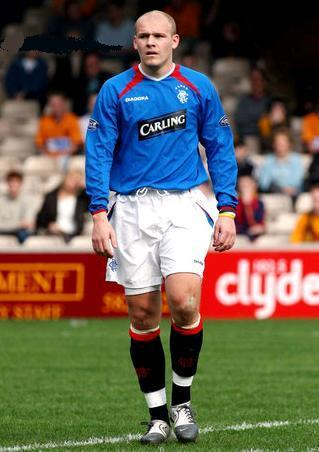 Rangers-04-05-DIADORA-home-kit.JPG