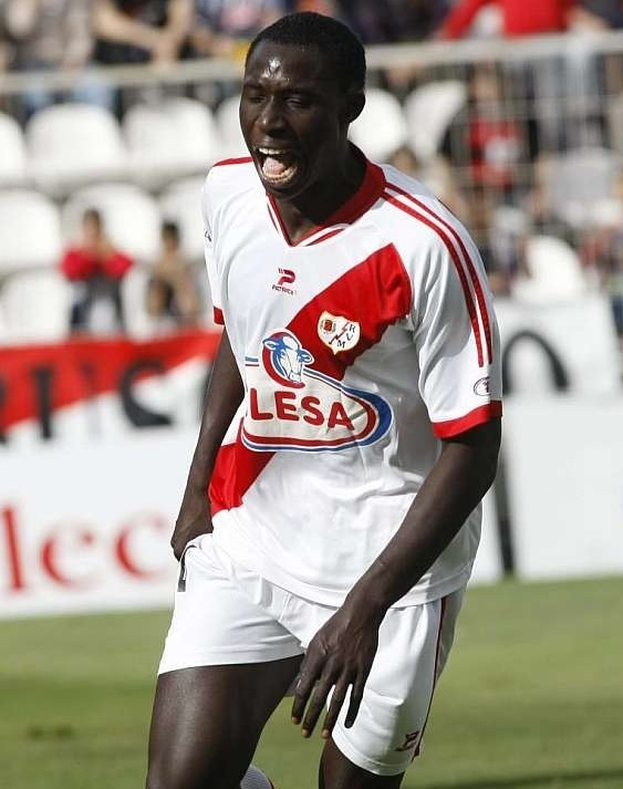 Rayo-Vallecano-08-09-PATRIK-home-kit.jpg