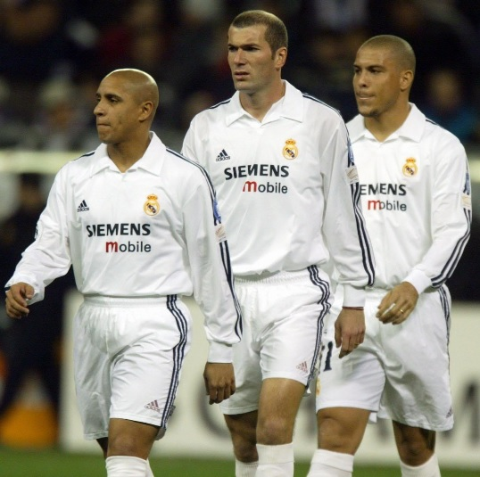 Real-Madrid-02-03-adidas-first-kit-white-white-white-los-galacticos.jpg