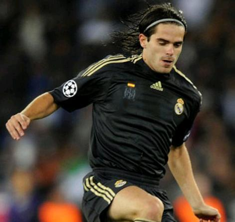 Real-Madrid-09-10-adidas-third-kit.JPG