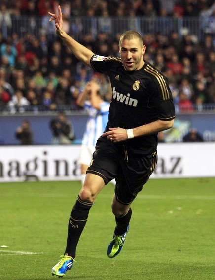 Real-Madrid-11-12-adidas-second-kit-black-black-black.jpg