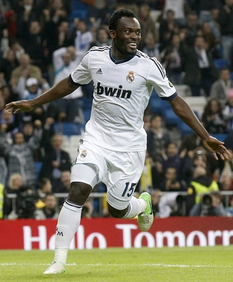 Real-Madrid-12-13-adidas-first-kit-white-white-white-Michael-Essien.jpg