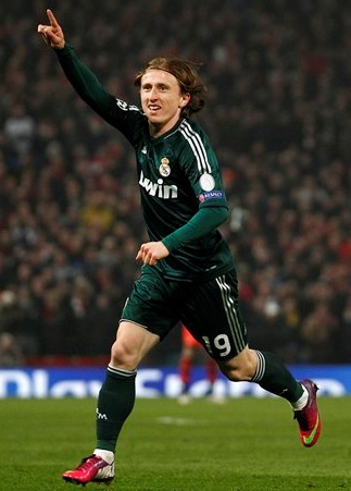Real-Madrid-12-13-adidas-second-kit-green-green-green.jpg