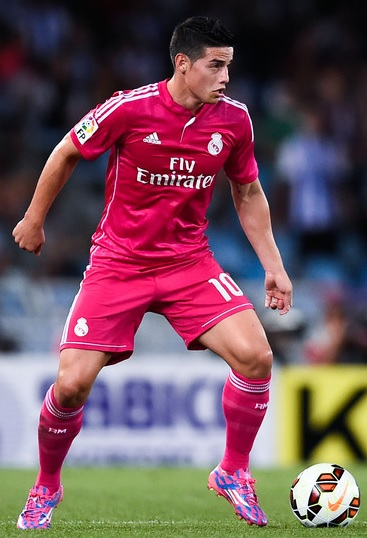 Real-Madrid-14-15-adidas-second-kit-pink-pink-pink-James-Rodriguez.jpg