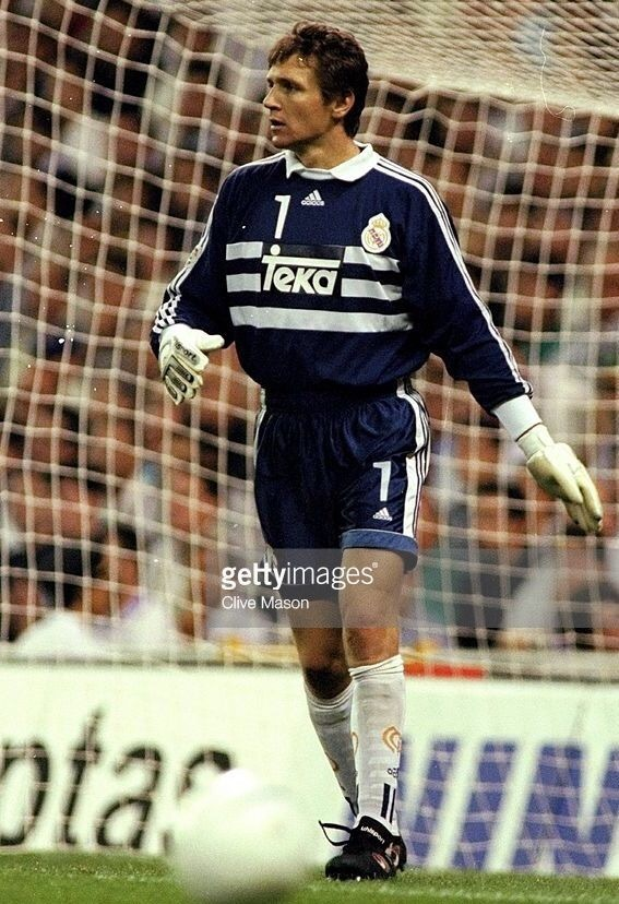 Real-Madrid-1998-99-adidas-GK-kit.jpg