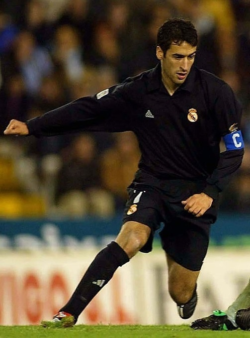 Real-Madrid-2002-adidas-century-away-kit-Raul-Gonzalez.jpg