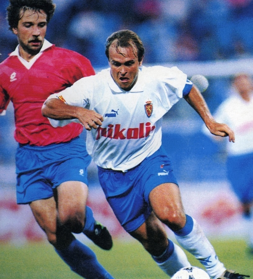 Real-Zaragoza-1994-95-PUMA-home-kit.jpg