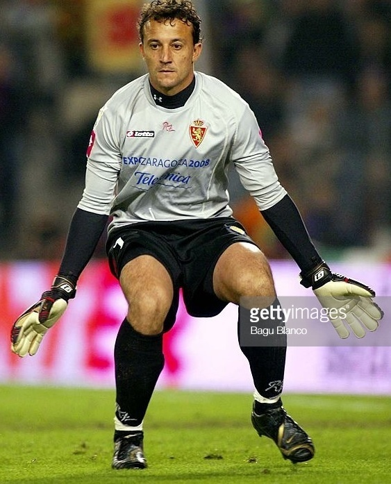 Real-Zaragoza-2006-07-lotto-GK-kit.jpg