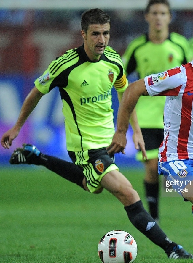 Real-Zaragoza-2010-11-adidas-away-kit.jpg