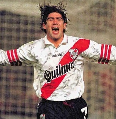 River-Plate-96-97-adidas-home-kit-Marcelo-Salas.jpg