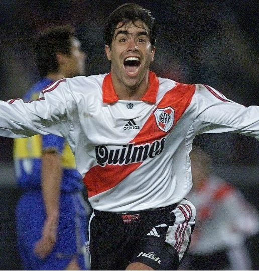 River-Plate-99-00-adidas-home-kit-Juan-Pablo-Angel.jpg