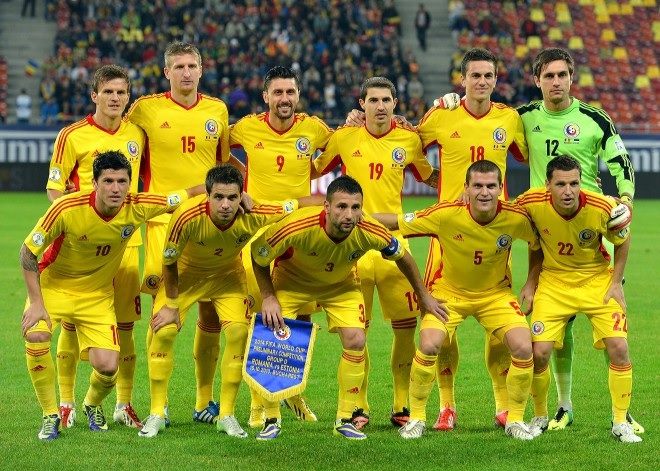 Romania-12-13-adidas-home-kit-yellow-yellow-yellow-line-up.jpg