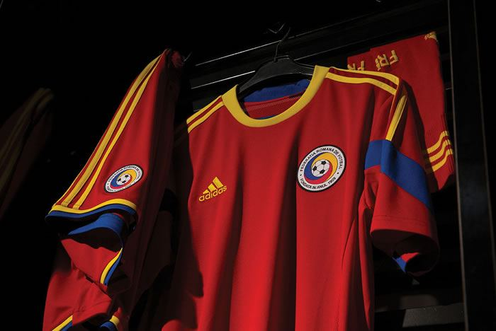 Romania-2014-adidas-new-away-kit-1.jpg