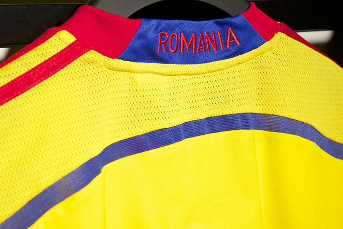 Romania-2014-adidas-new-home-kit-3.jpg