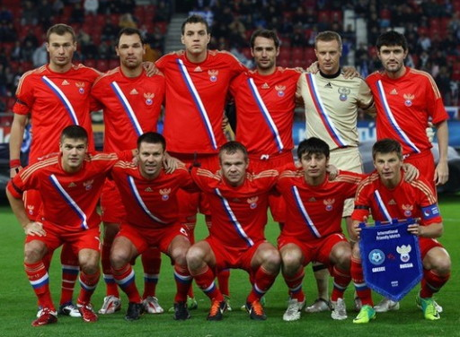 Russia-11-13-adidas-home-kit-red-red-red-line-up.jpg