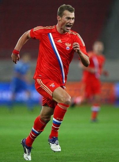 Russia-11-13-adidas-home-kit-red-red-red.jpg