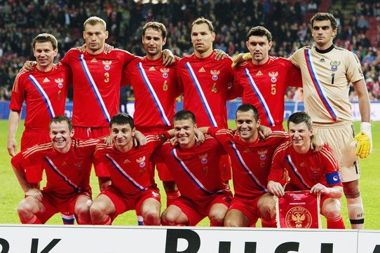 Russia-12-13-adidas-home-kit-red-red-red-line-up.jpg