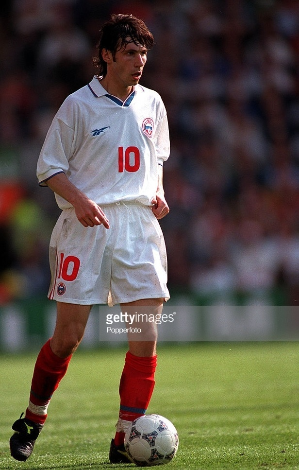 Russia-1996-Reebok-EURO-home-kit-white-white-red.jpg