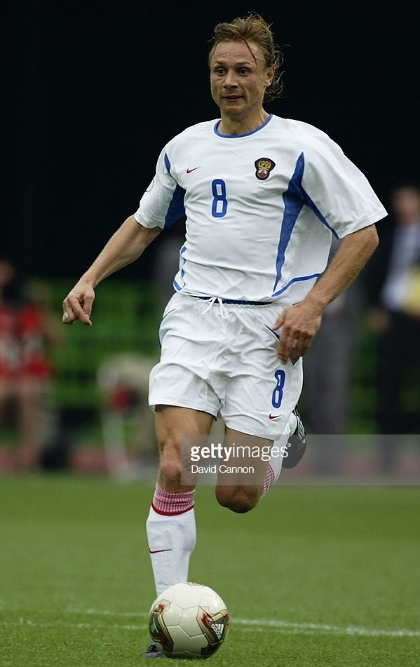 Russia-2002-NIKE-world-cup-home-kit-white-white-white.jpg