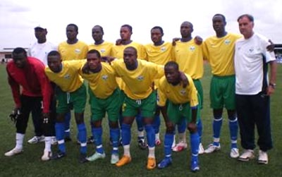 Rwanda-08-NIKE-yellow-green-blue-group.JPG