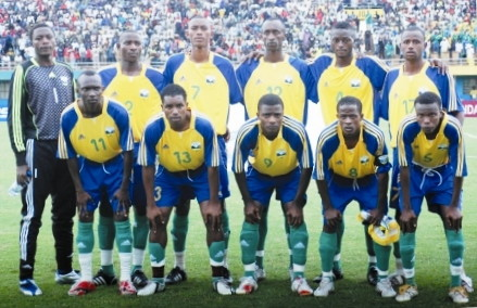 Rwanda-09-adidas-U17-yellow-blue-green-line-up.jpg