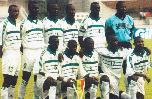 SEnegal-2000-adidas-home-kit-white-white-white-line-up.jpg