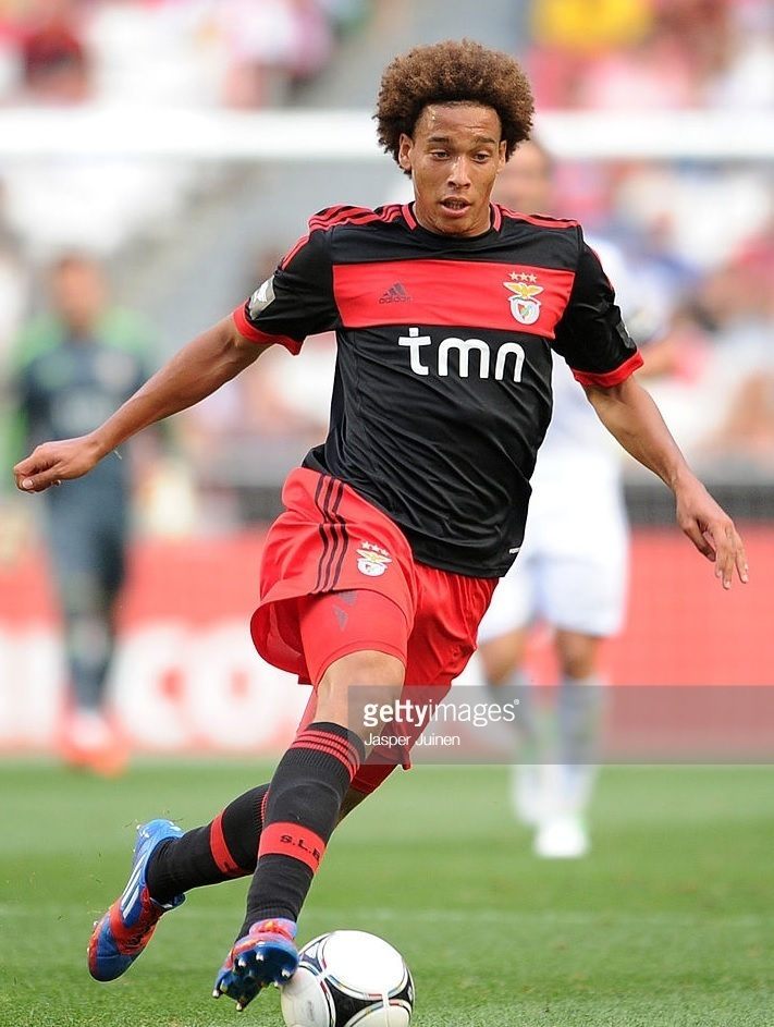SL-Benfica-2012-13-adidas-second-kit-Axel-Witsel.jpg