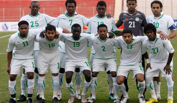 Saudi-Arabia-10-11-PUMA-home-kit-white-white-white-line-up.jpg