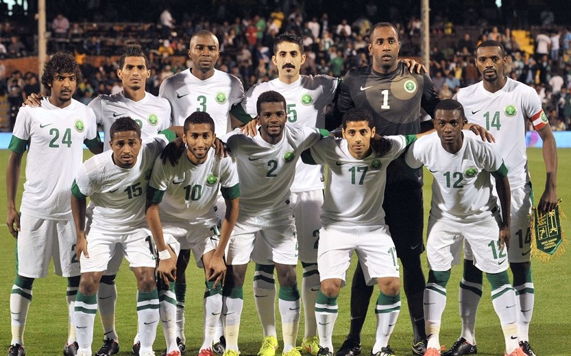 Saudi-Arabia-13-14-NIKE-home-kit-white-white-white-line-up.jpg