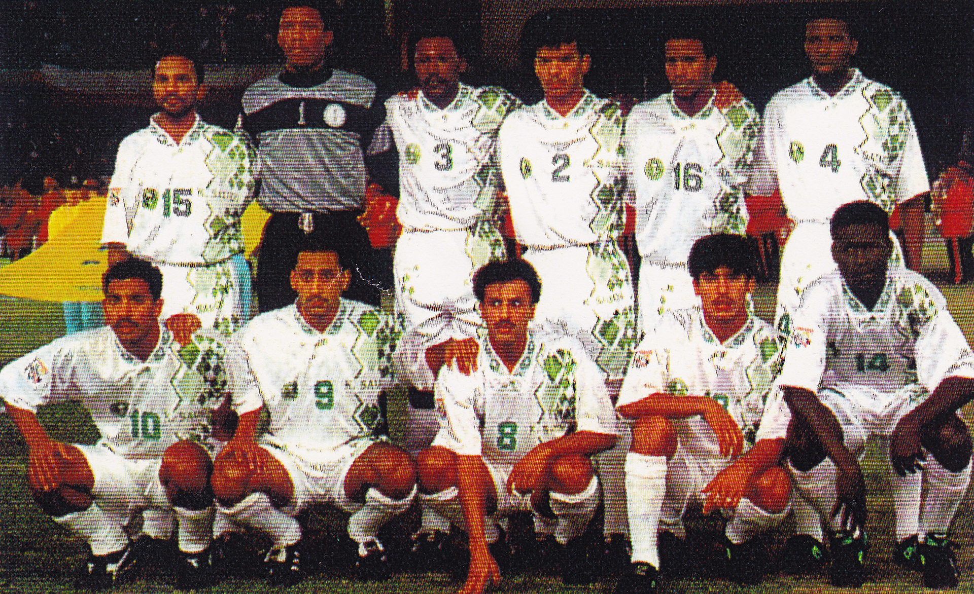 Saudi-Arabia-1996-Shamel-asian-cup-home-kit-white-white-white-line-up.jpg