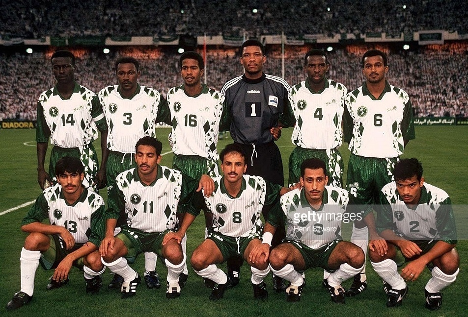 Saudi-Arabia-1997-Shamel-home-kit-white-green-white-line-up.jpg