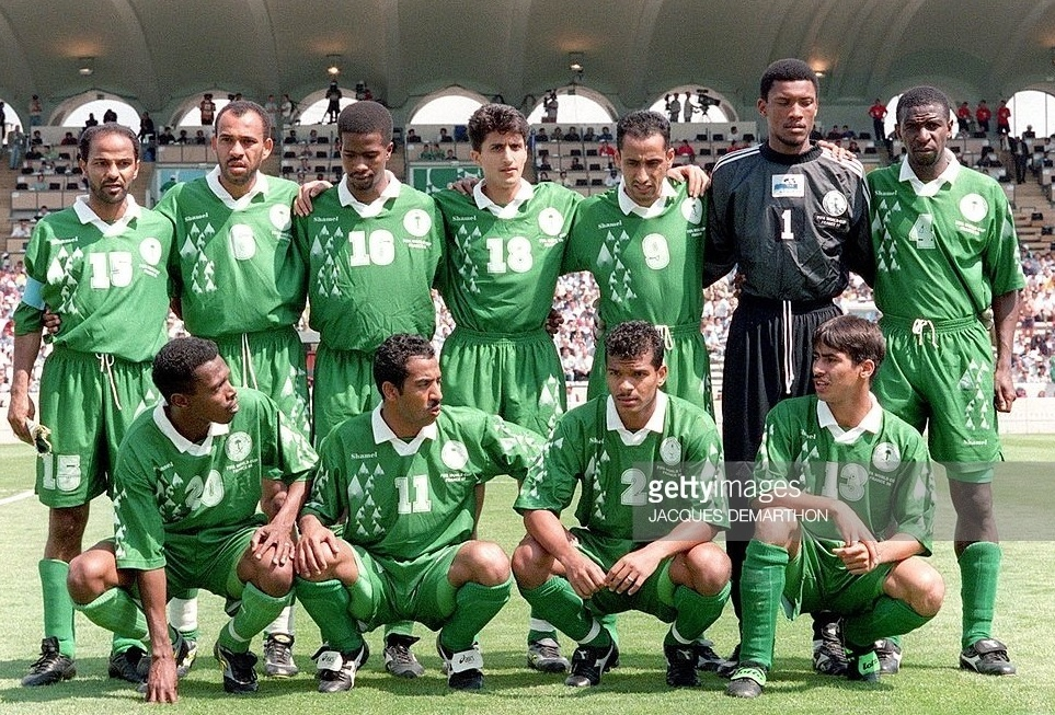 Saudi-Arabia-1998-Shamel-world-cup-away-kit-green-green-green-line-up.jpg